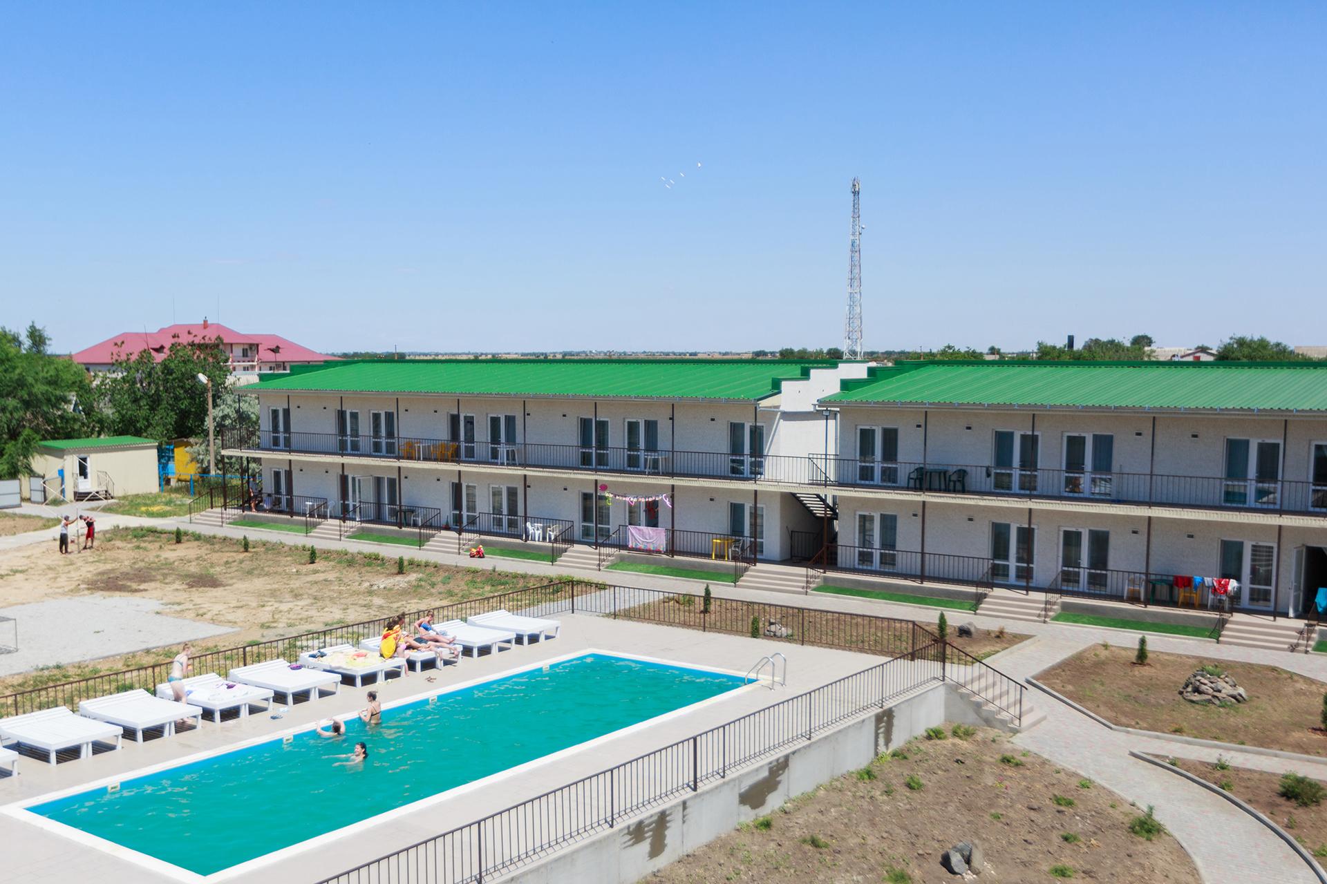 Отель Катран с бассейном